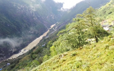 Day Tour to Tiger Leaping Gorge Hiking from Lijiang