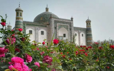 All Inclusive Day Tour in Kashgar including Apa Hoja Tomb, Id Ghar Mosque and Grand Bazaar